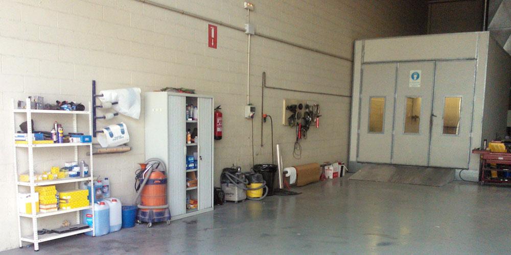 Taller mec nico bodycar zona de pintura - Se puede pintar el aluminio ...